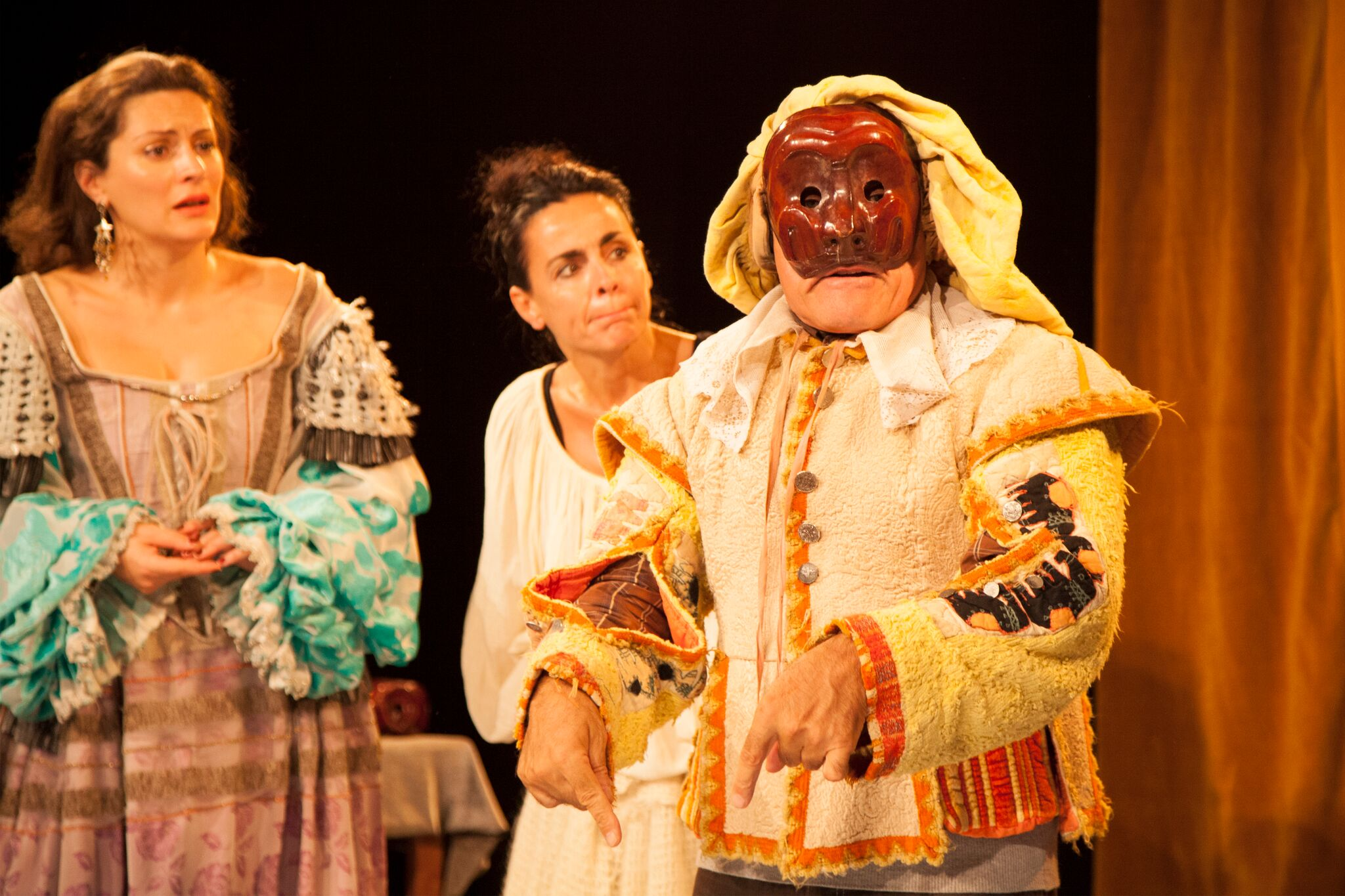 4 avr. : Teatro comico